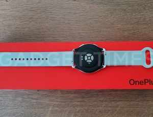 OnePlus Watch Hands-On Photos