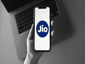 Jio Rs 749 prepaid recharge plan launched with 2GB daily data, 336 days of validity, and more
